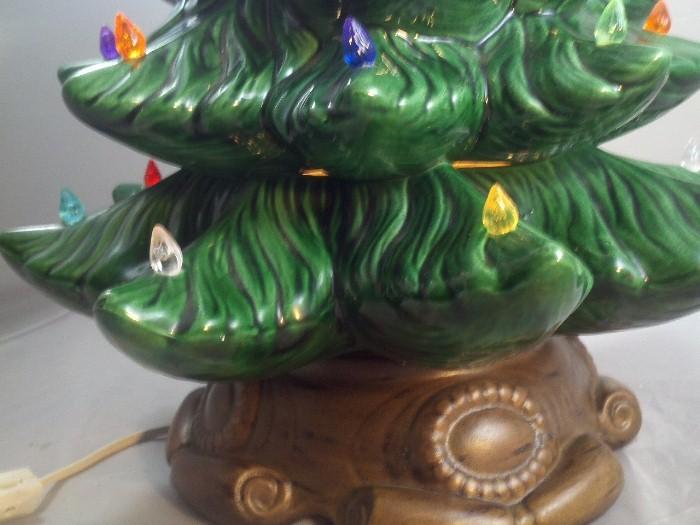 "Vintage Atlantic Mold Ceramic Tree & Base 20-1/2"" Tall"